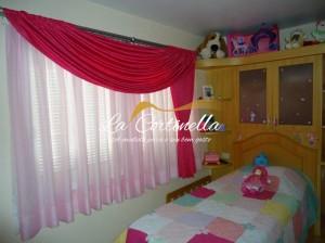 Cortinas para quarto de menina tradicional e o bando em cetim rosa